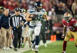 Tony Moeaki runs downfield on a 63-yard gain against the 49ers (Seahawks.com)
